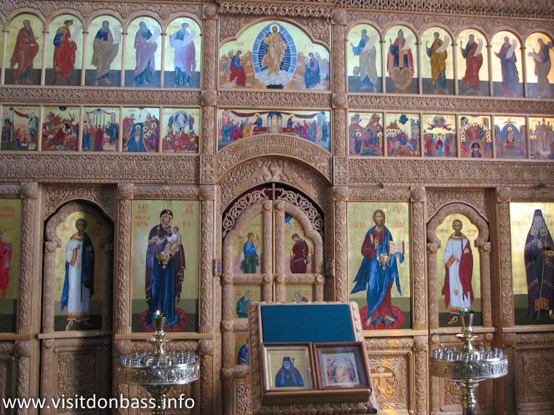 Иконостас Храма святителя Игнатия Мариупольского в ДМЗ