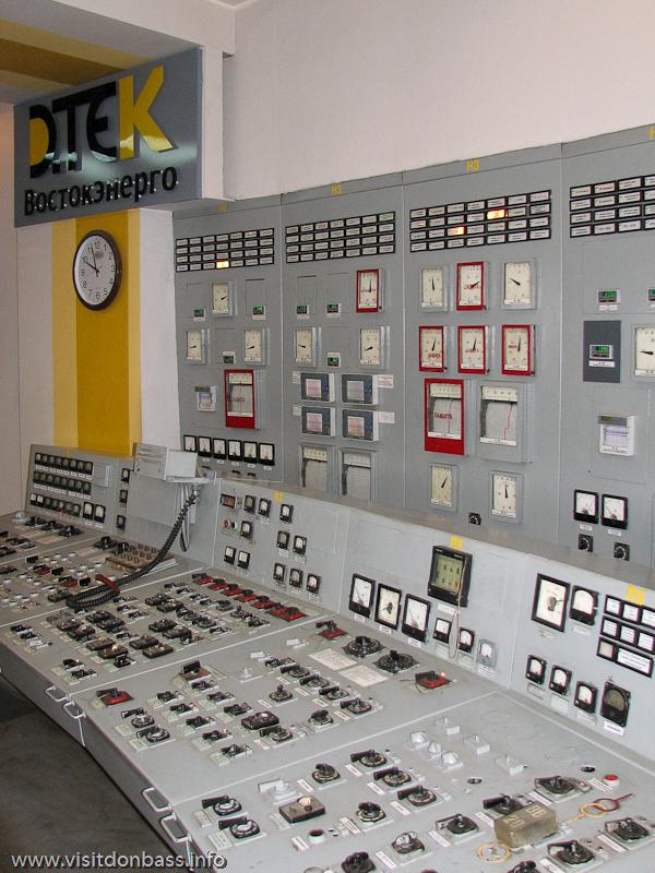 Пульт управления турбиной на Кураховской ТЭС