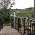 Мосты, крест, красивая ковка: купальня в Коньково даст фору многим достопримечательностям Приазовья