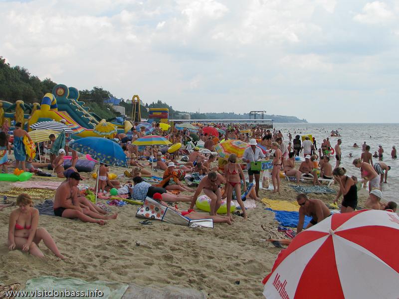 Центральный пляж в Урзуфе