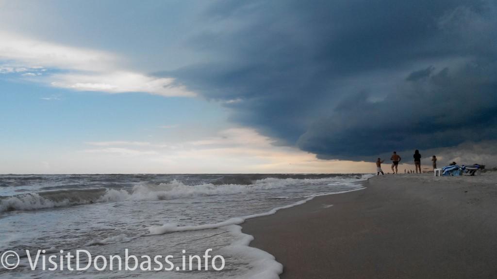 Гроза над Азовским морем на Белосарайской косе