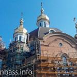 Церковь Савчука / Новинского начали штукатурить