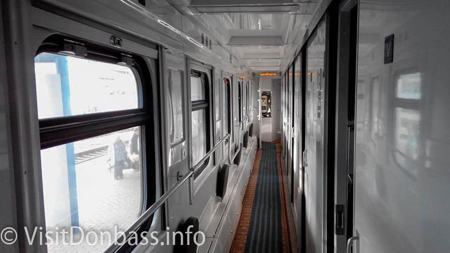 Обновленный интерьер купейного вагона УЗ