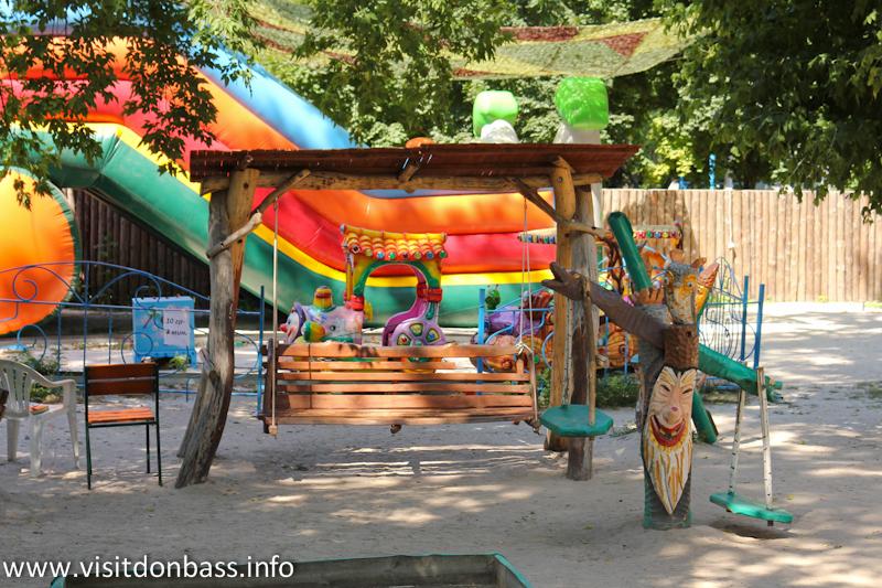 Детская площадка. Зоопарк Деревня Вашуры в Мариуполе