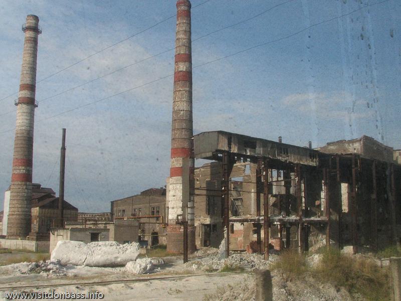 Частный собственник - это, наверное, основная причина того, что стены и металлоконструкции до сих пор не разобраны, Константиновка, Донецкая область