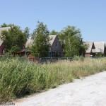 На базе отдыха Донбасс в Мелекино кирпичные домики