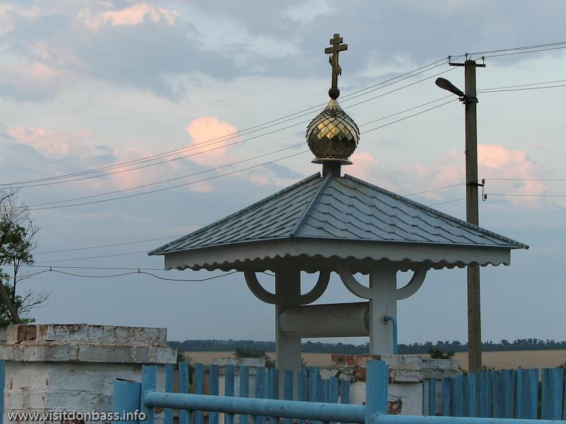 Колодец около храма в Коньково - наверное здесь такая же вода, как и в источниках