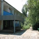 На базе два достаточно крупных двухэтажных корпуса из железобетона, Азовье Мелекино