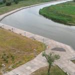 Около Экстрим-Парка построена набережная вдоль реки Кальчик, Мариуполь