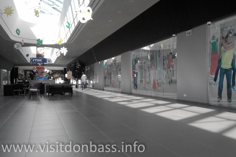 Пустующие магазины, Мариуполь