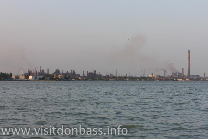 Панорама города со стороны Азовского моря
